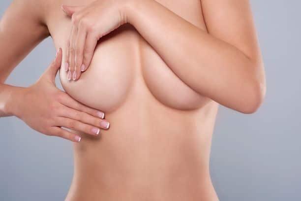 Jak przygotować się do operacji plastycznej piersi